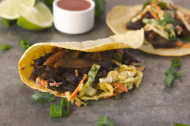 Slow Cooker Spicy Asian Portobaello Tacos with Sriracha Slaw // www.tasty-yummies.com // @tastyyummies
