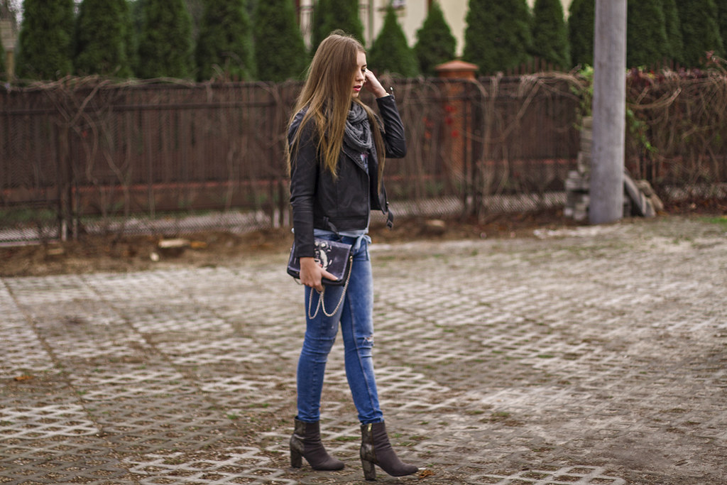 STYLE: blue jeans