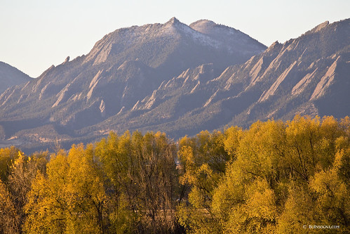park morning travel autumn sky sunlight mountains color green fall nature yellow rural forest landscape outdoors gold golden colorado day view bright scenic boulder destination recreation flatirons chautauqua cottonwoodtrees jamesinsogna