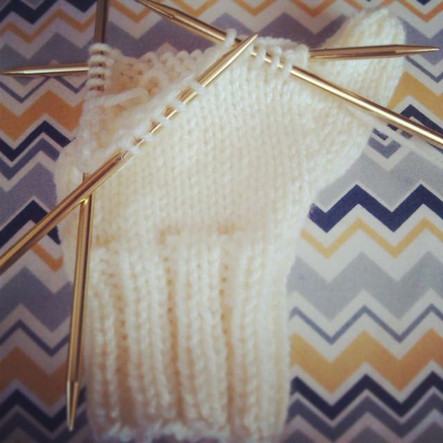 Aran mittens #knitting