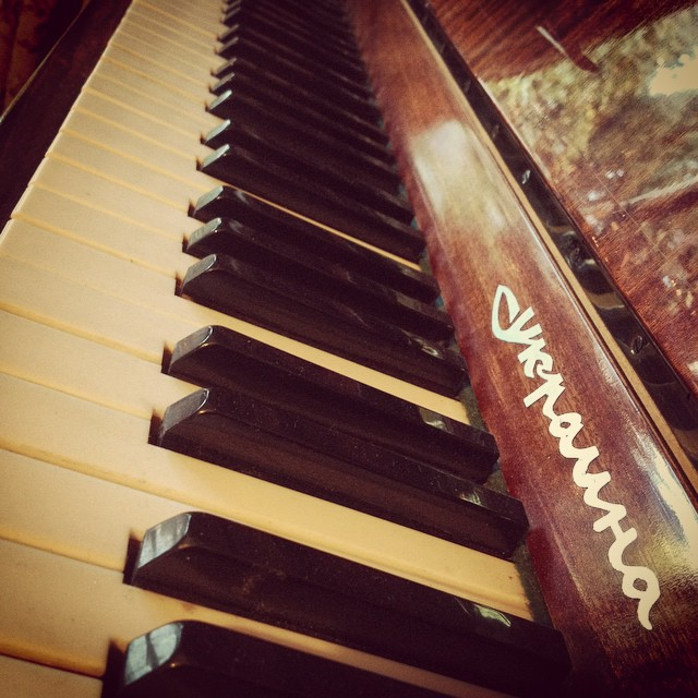 My old piano is sitting at my mums house because our house is too small for it! We need to upsize. #piano #pianoforte