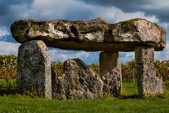 Saint Fort Sur Le Né [Le dolmen]