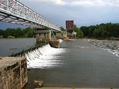 Barrage on the Loire - Photo of Thianges