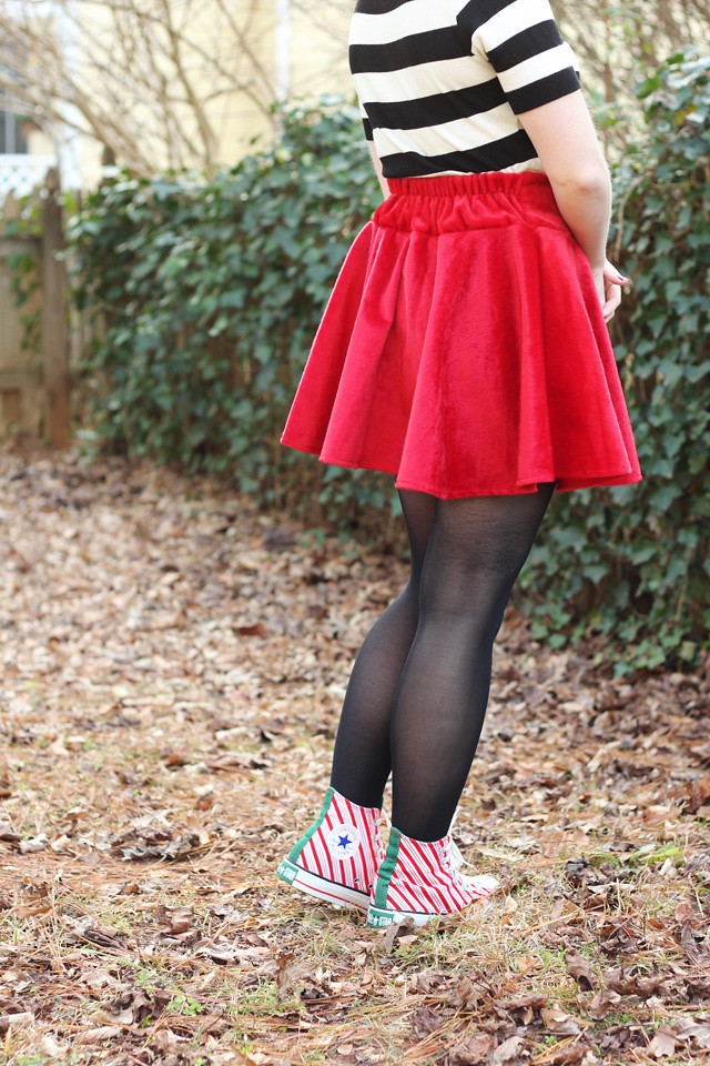 holiday outfit christmas converse red velvet skater