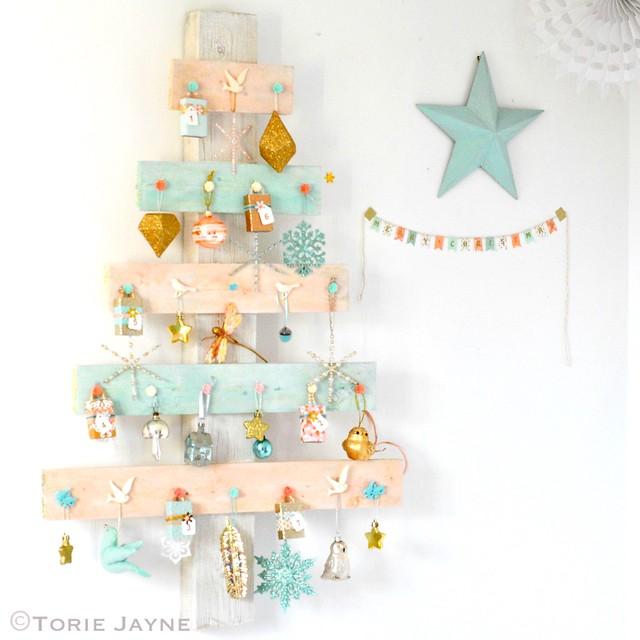 Advent palette tree