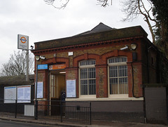 Picture of Brondesbury Park Station