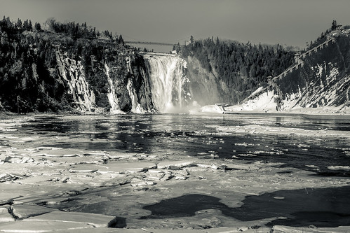 winter blackandwhite bw snow canada ice monochrome mono waterfall quebec falls montmorency 2014 cans2s fujixe2
