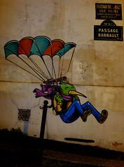 Street of Paris - Parachutiste