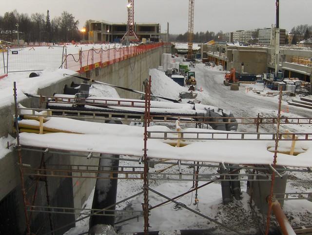 Hämeenlinnan moottoritiekate ja Goodman-kauppakeskus: Työmaatilanne 13.1.2013 - kuva 9