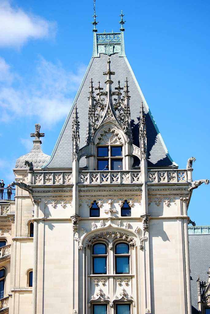 Biltmore mansion front detail