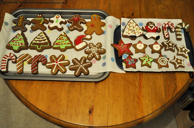 2014-12-06 Sticka Christmas cookie decorating