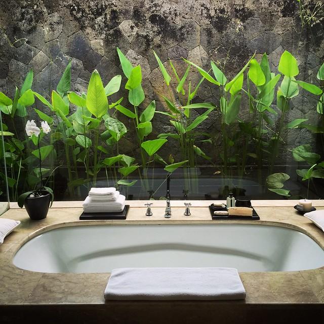 Bathtub at Amanusa