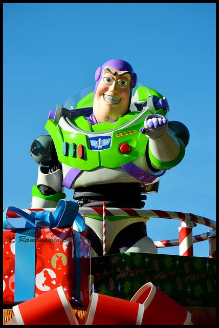 Vos photos avec les Personnages Disney - Page 3 15781880815_0d6071d0bd_z