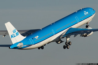 KLM Royal Dutch Airlines Airbus A330-303 cn 1580 F-WWCD // PH-AKF