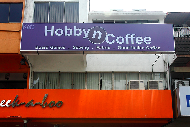 Hobby-n-Coffee-Cafe