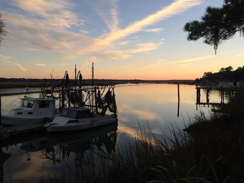 sunset river georgia boat dock relection goldenhour shrimpboat justbe coastalgeorgia pineharbor justbephotography exploregeorgia photographybyjessicacrosby eclecticallyeccentric jessicacrosby