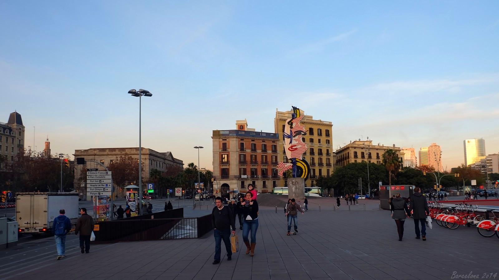 Barcelona day_1, La Cara de Barcelona by Roy Lichtenstein