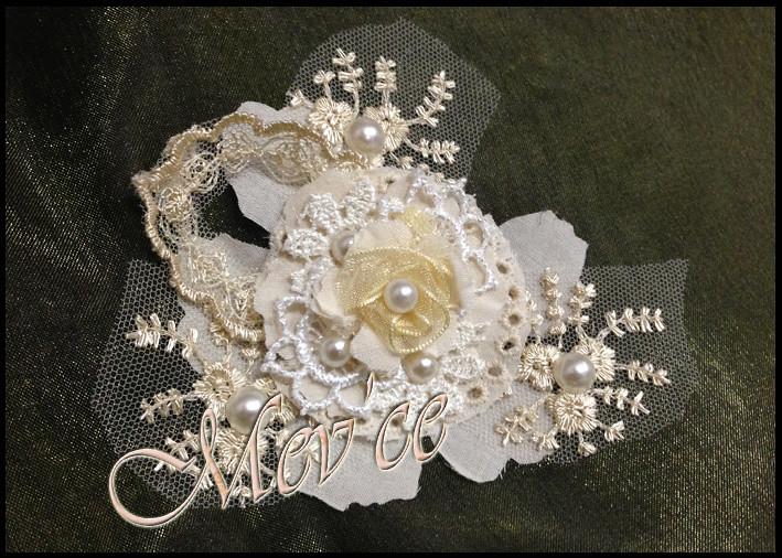 Cream Flowers 02