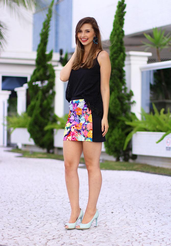 02-look saia estampada e blusa de renda preta sly wear jana taffarel blog sempre glamour