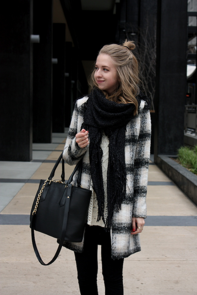chelsea+lane+zipped+truelane+blog+minneapolis+midwest+fashion+style+blogger+lulus+plaid+coat+zara+black+leather+ankle+booties+dagne+dover+mini+tote2