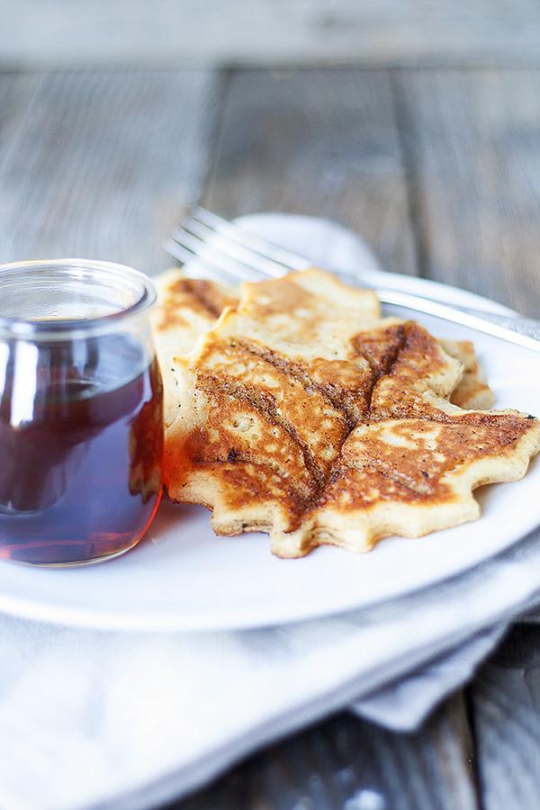 maple leaf shaped cinnamon roll pancakes