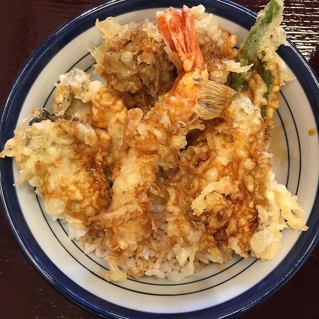 炸牡蠣二枚內含的限量天丼…