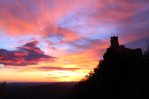 world autumn sky heritage sunrise dawn twilight san europe sanmarino theme rocca marino worldheritage cesta skytheme guaita サンマリノ