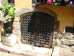 Cellar Grate, Bourbon-Lancy