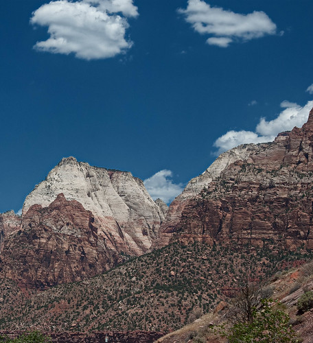mountain utah unitedstates earth places zionnp edits springdale desertpearl lrcrop labckf11 lrvibclar