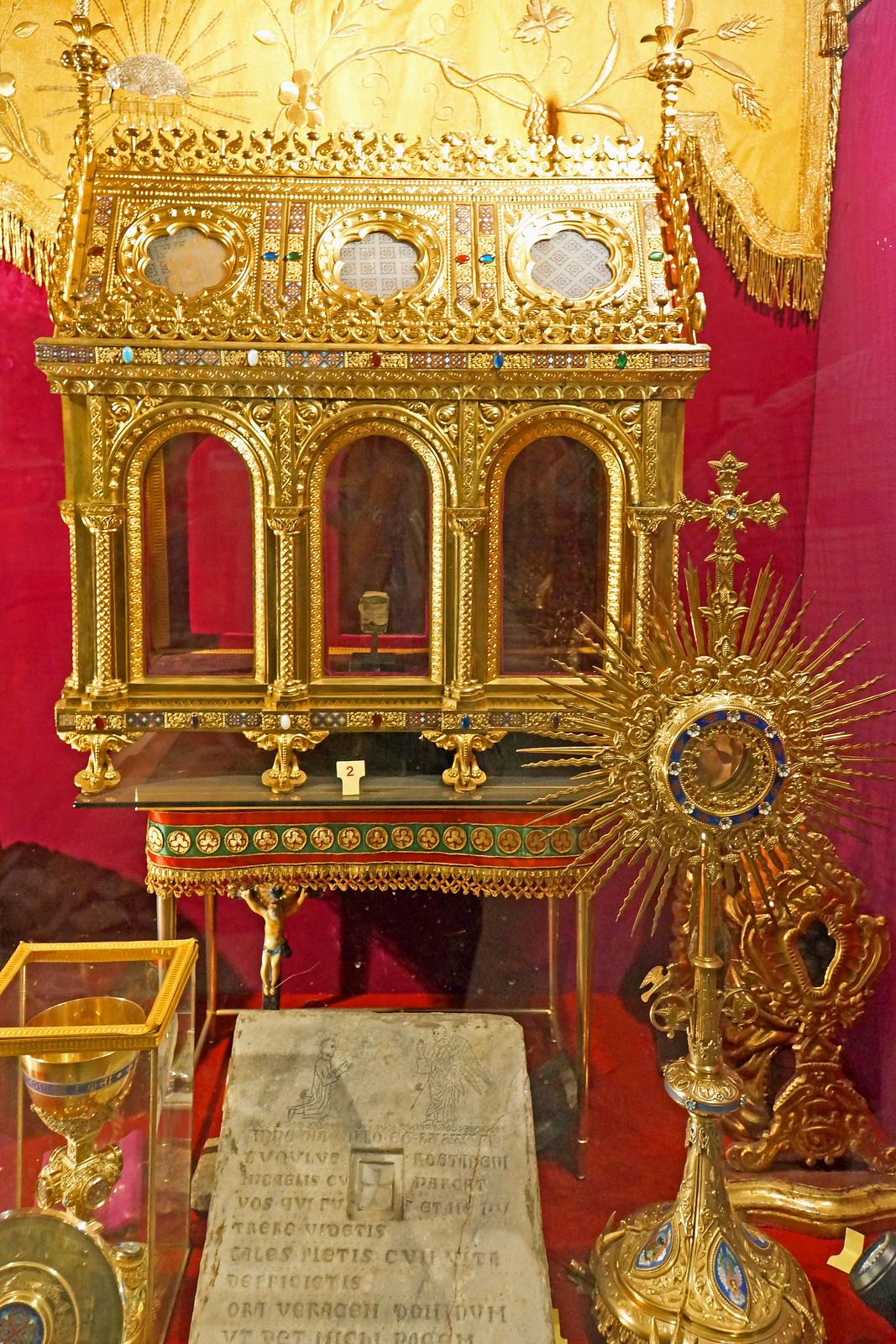 France-002819 - Relics