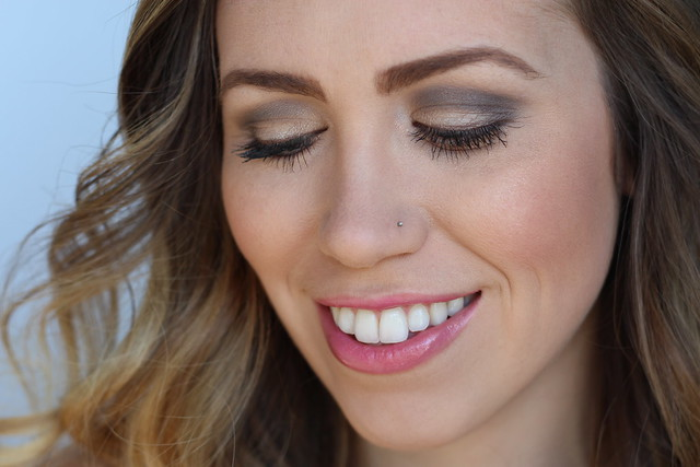 Makeup Monday: Timeless Taupe | #Livingaftermidnite