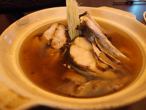 麻油烏魚湯,採用新竹市香山的永續養殖烏魚。
