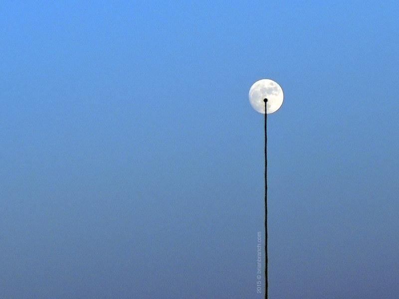 DSCN9303_antenna_moon