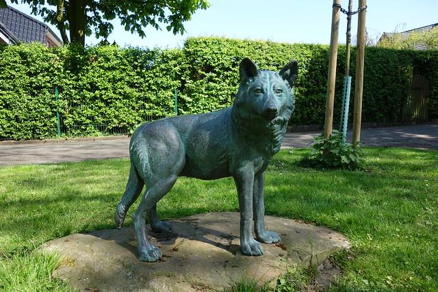 Denkmal Nr. 2 für den letzten erlegten Wolf in NRW