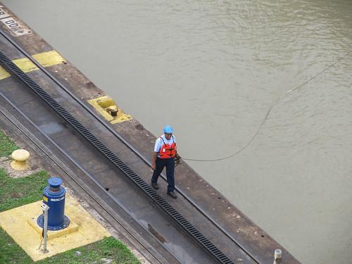 Canal de Panama: allez, on tire le voilier !