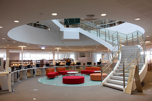 劉培森建築師設計 世界首座懸吊式綠建築 高雄新圖總館營運
