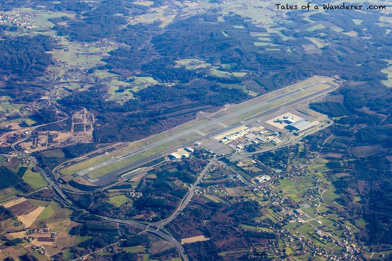 Vueling VY1299 SVQ - LCG / SANTIAGO DE COMPOSTELA - Aeroporto de Santiago de Compostela-Lavacolla