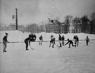 Hockey match at McGill University, Montreal, 1901 / Partie de hockey à l'Université McGill, Montréal, 1901