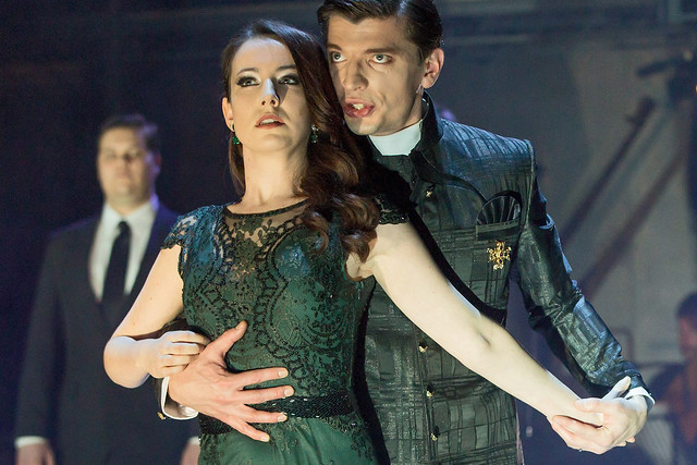 Rachel Kelly and Callum Thorpe in Orfeo © ROH 2015. Photo by Stephen Cummiskey