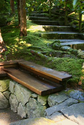23_wood_bench