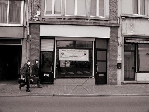 colonne de la verité, B&W, Street photography.