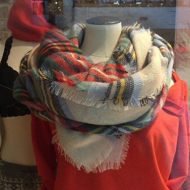 Aerie blanket scarf (style no. 2274-184)