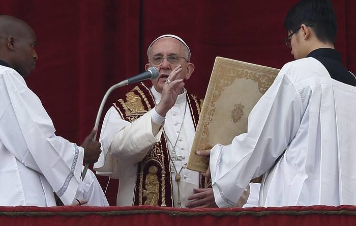 Buổi Đọc Sứ Điệp Giáng Sinh Và Ban Phép Lành Toàn Xá Cho Thành Roma Và Toàn Thế Giới