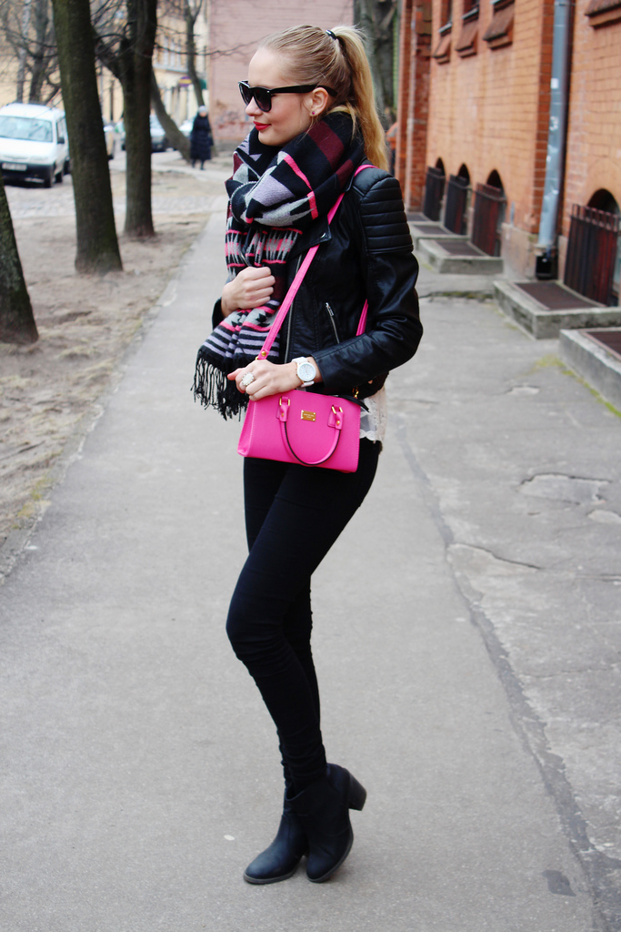 hot-pink-bag-spring-accessory