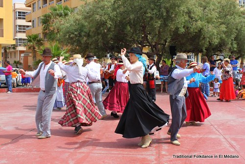 Traditional dancers, El Medano