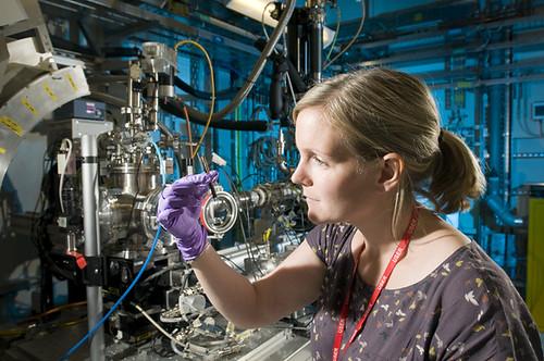 Mary Rose researcher on beamline B18