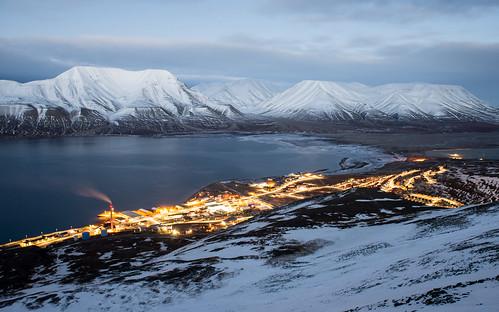 sea mountain snow cold twilight view svalbard arctic le citylights fjord spitsbergen longyearbyen