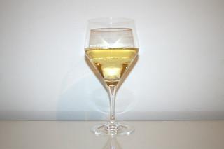 04 - Zutat trockener Weißwein / Ingredient white wine