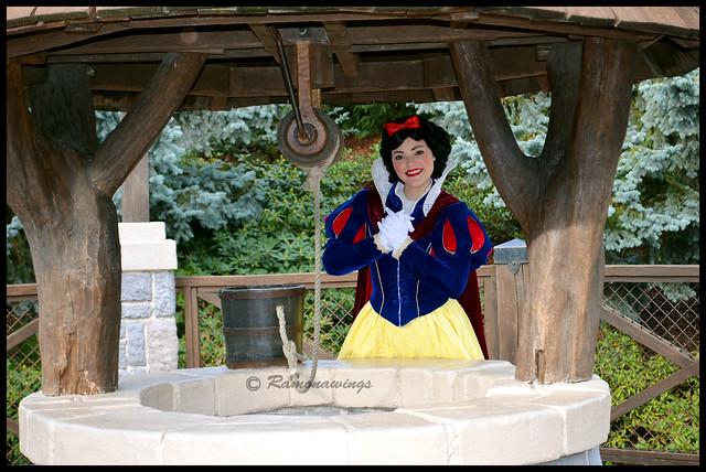Vos photos avec les Personnages Disney - Page 3 15779075171_b28e61299a_z