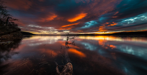 longexposure autumn sunset sky panorama lake color reflection water oslo norway clouds forest evening nikon horizon surface treetrunk le d800 maridalen 14mm samyang maridalsvannet niovember